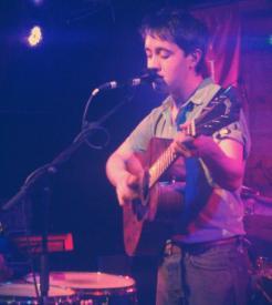 El carismático vocalista, Conor O'Brian