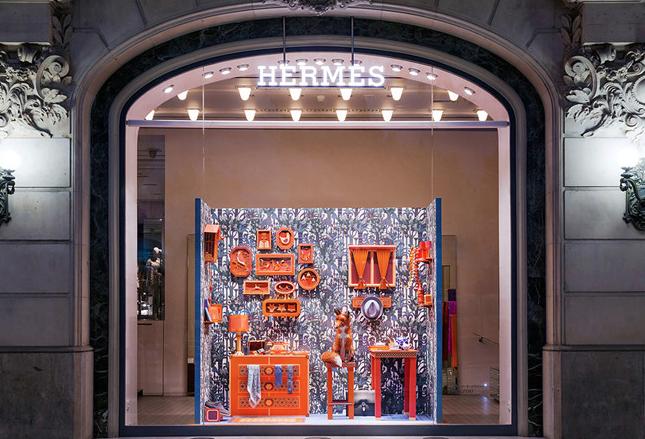 Instalación en la boutique Hermès de Barcelona por el estudio francésZim&Zou